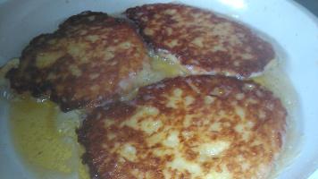 kartoffelpuffer und wachteleier